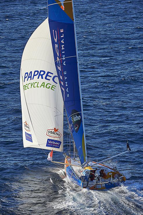 6 octobre 2016- Entrainement en solo au large de Groix, Monocoque 60 pieds IMOCA StMichel-Virbac, skipper Jean-Perre Dick